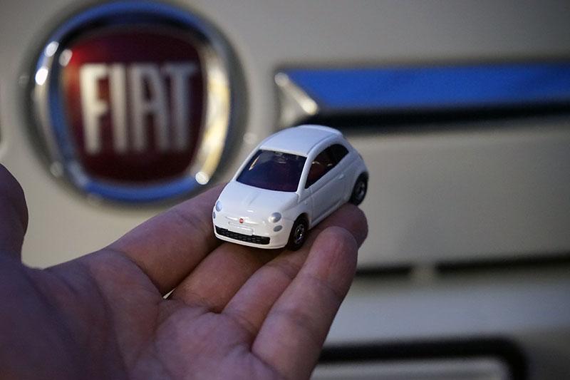 20年以上ぶりにトミカのミニカーを購入!FIAT500モデル、精巧です